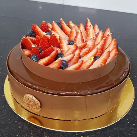 Mousse de chocolate y frutillas