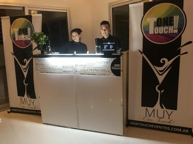 OneTouch Eventos (Bebidas y Barras de Tragos)