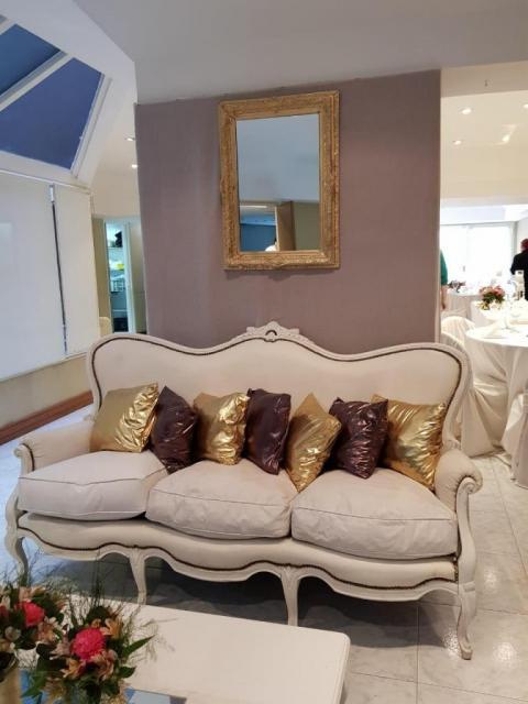sillon de entrada | Casamientos Online