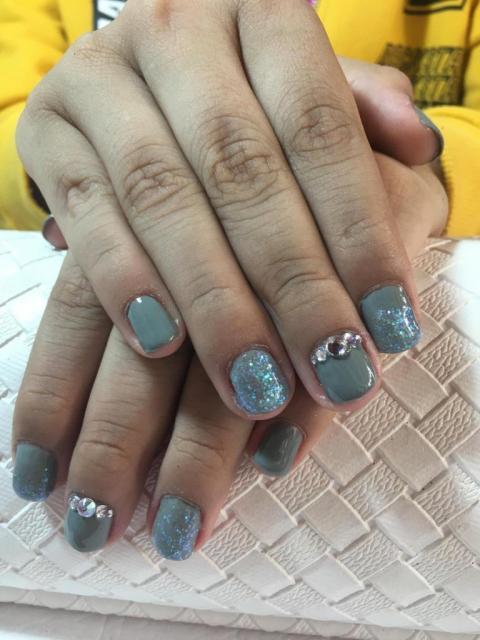 Manicuría y Semi con Nail Art | Casamientos Online