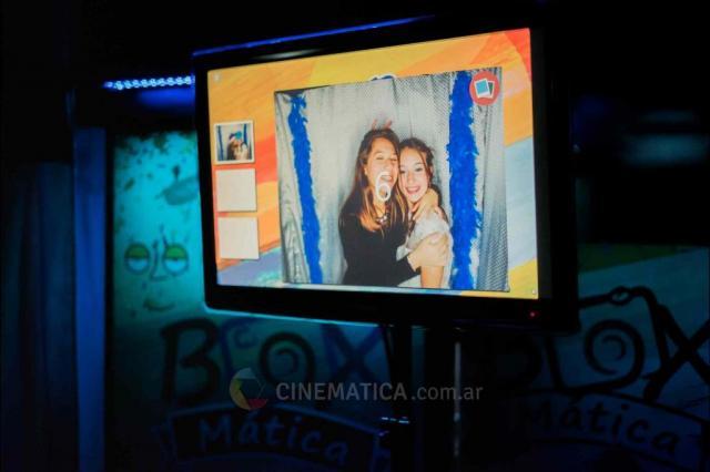 CINEMÁTICA Producciones (Cabinas de mensajes, fotos y video)