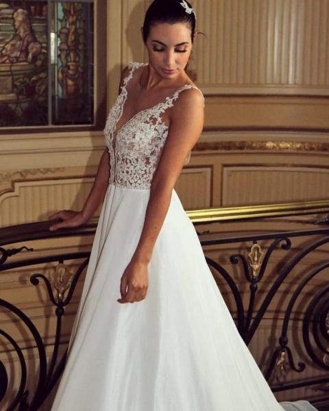 Vestido de novia Lucero con velo delineado en hilo de 3mt de largo