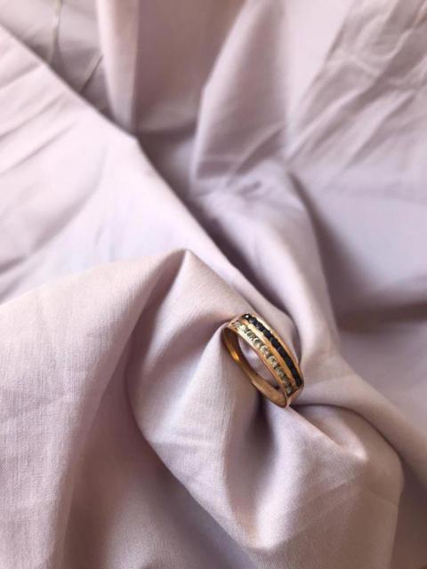Cintillo de oro 18 k con zafiros y brillantes