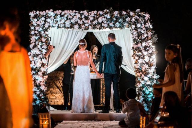 Ceremonias Mágicas Ale y Gaston | Casamientos Online