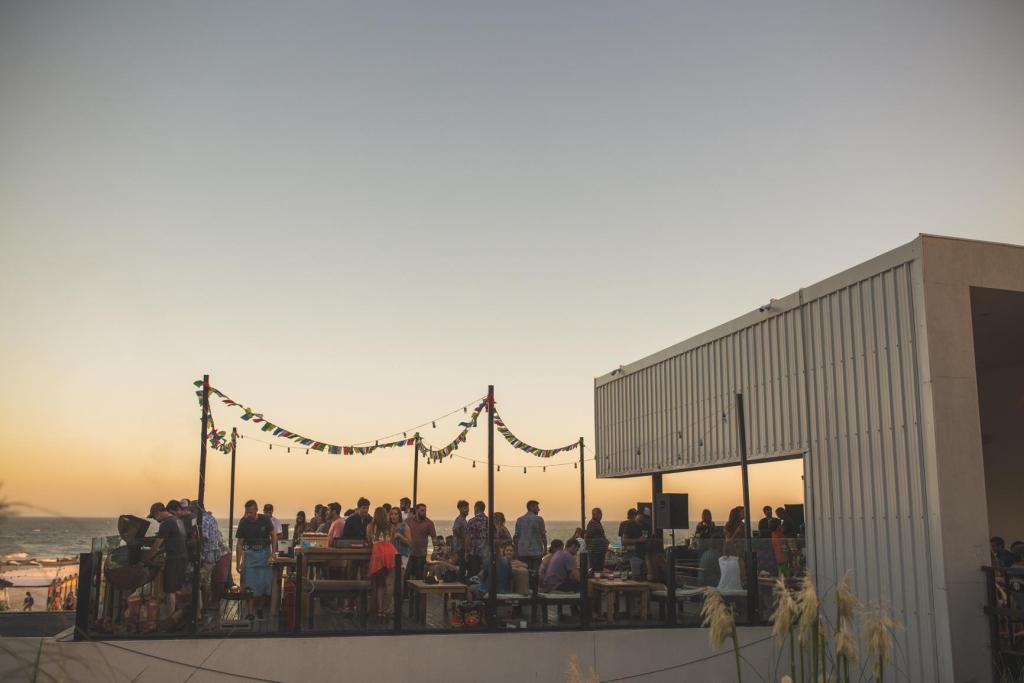 Cabo Largo (Salones de Fiesta)