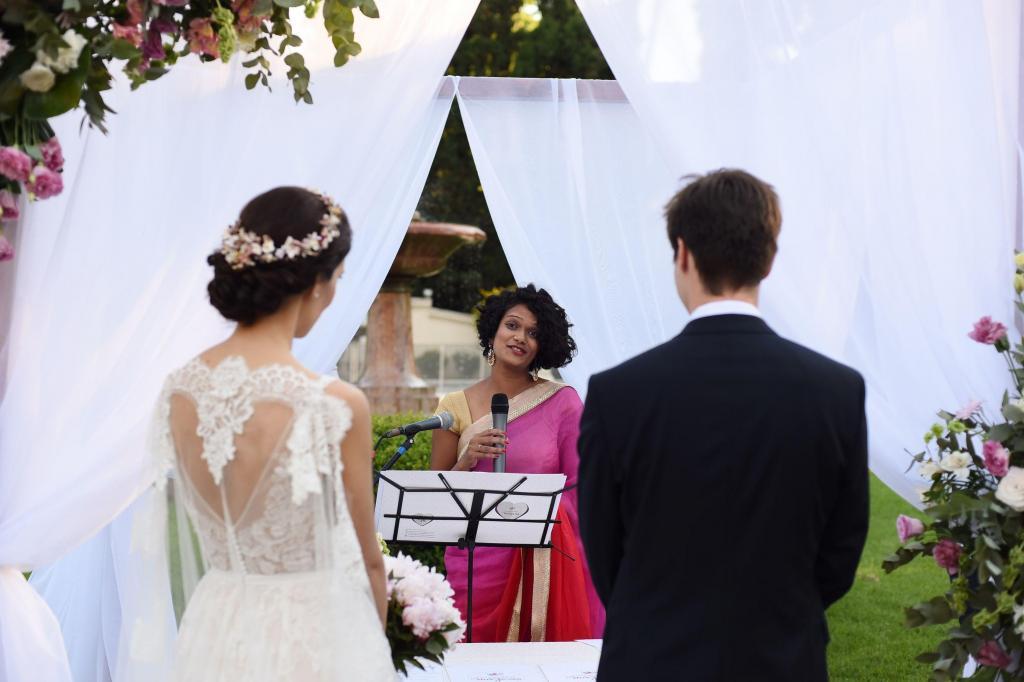 Ceremonia Personalizada Laica Bilingüe